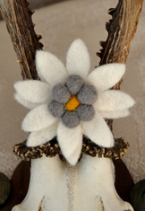 Large Edelweiss Pin - Hand Crafted Felted Wool