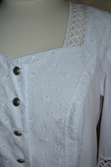 White_blouse_charlotte_detail_fabric