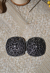 Decorative Dirndl Bodice Fastener Small Filigree Pair