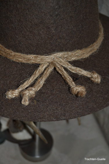 Brown_wide_brimmed_hat_cord_detail