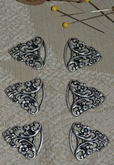 Dirndl Hooks Pewter Floral Set of Three Pair