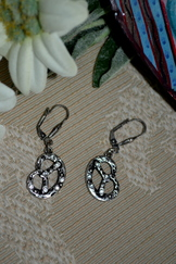 Earrings Pretzel with Crystals