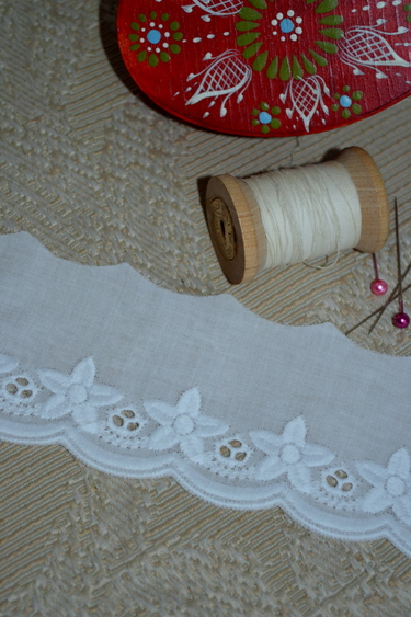 Embroidered Cotton Lace Edelweiss Motif