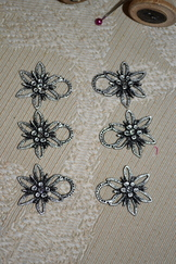 Dirndl Hooks Edelweiss Set of Six