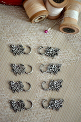 Dirndl Hooks Flower (Set of Eight)