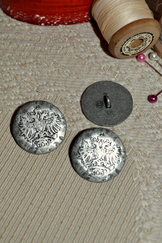 Large Rustic Metal Button Eagles