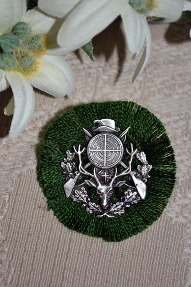 Hat Pin Rosette Hunting Theme
