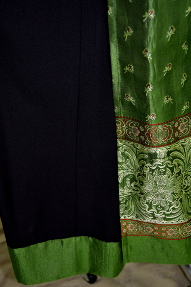 Dirndl_elisabeth_green_dress_hem_detail