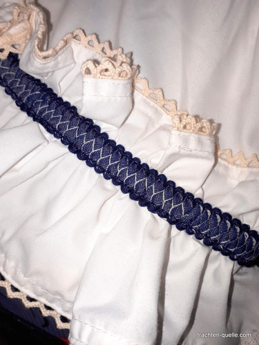 2018_marjo_blue_two_piece_outfit_skirt_lining_detail