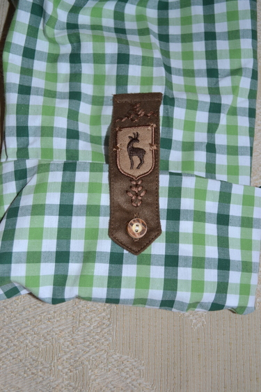 2018_os_shirt_green_check_with_emb_placket_sleeve_detail