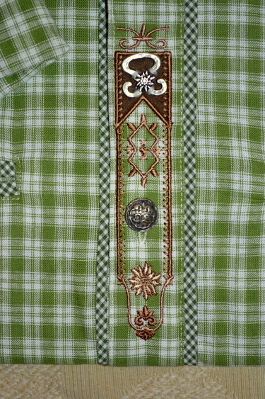 2018_os_shirt_green_white_plaid_placket_detail