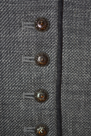 Tq_2019_vest_vinzenz_grey_buttons_2019-04-09_4-17-31_pm
