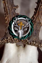 Hat or Lapel Pin Round Hubertus Deer