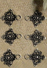 Dirndl Hooks Baroque with Clear Stone Centre (set of 8)