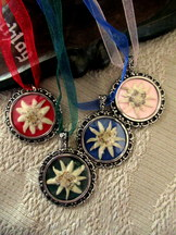 Edelweiss Flower Pendant Choice of 4 Colours