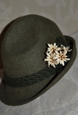 Hat pin of group of three hand-carved wooden edelweiss flowers, with pin holder.  Very traditional accessory in Bavaria and Austria.
